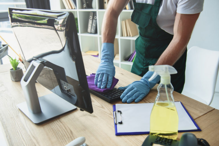 5 Basic Tips to keep clean the Office premises