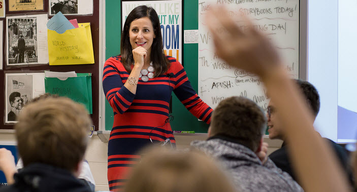 Best Teacher Awards in the USA: In-Depth Research